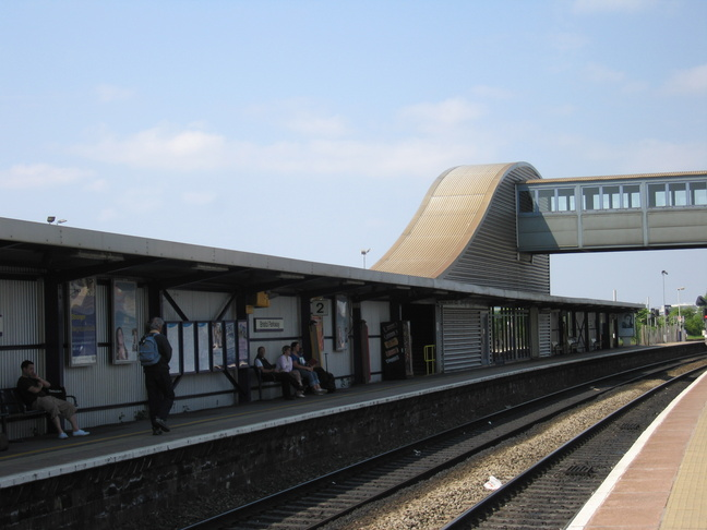 f54d828d5 Bristol Parkway platform 2 stairs